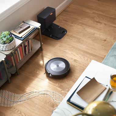 iRobot_Roomba_j7558