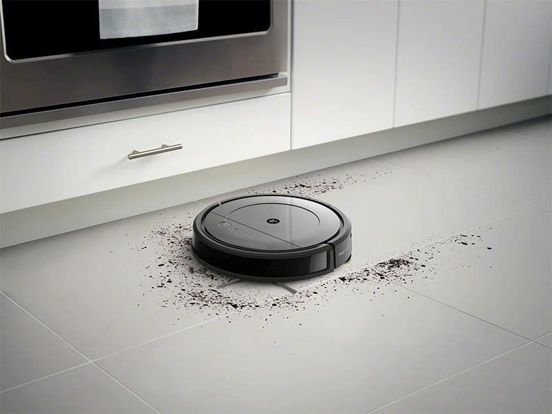 RoombaCombo_Photo_InSitu_Vacuuming_Tile.jpg